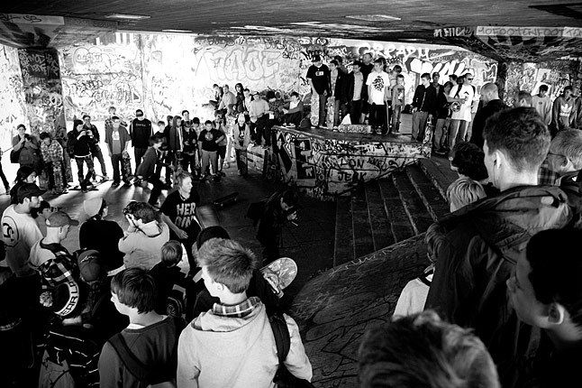 Emerica Wits London Southbank Crowd 1