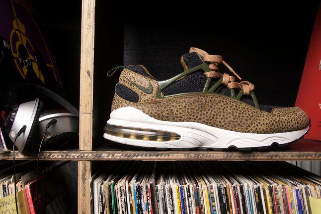 Nike Huarache Burst 2