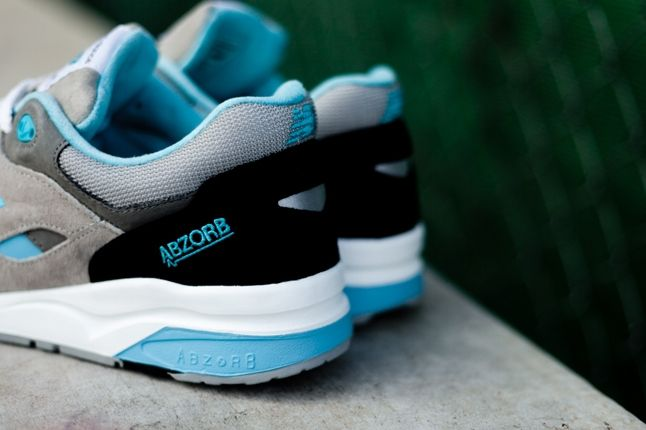 New Balance 1600 Elite Blue Heel Detail 1