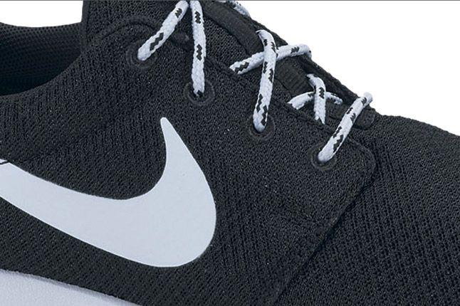 Nike Roshe Run Womens Black Pink 03 1