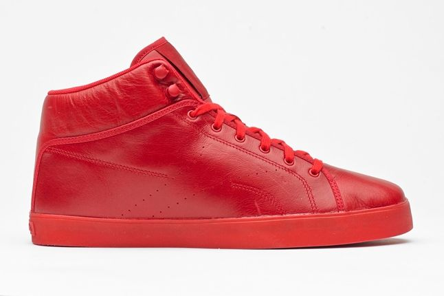 Tyga Reebok Traww Red Profile 1
