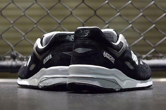 New Balance Black 1600 Heel 1