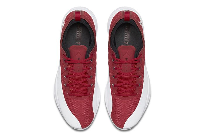 Jordan Trainer Prime Gym Red3