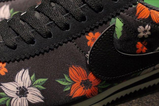 Nike Classic Cortez Nylon Qs Aloha Pack Black White Detail 1