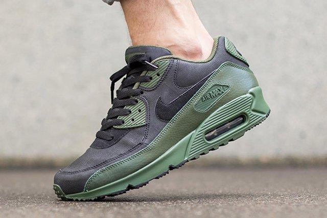 Nike Air Max 90 Winter Black Carbon Green Thumb