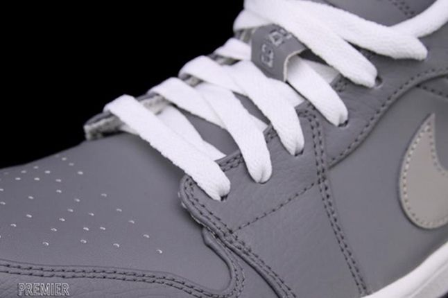 Air Jordan 1 Low Cool Grey Lace Detail 1