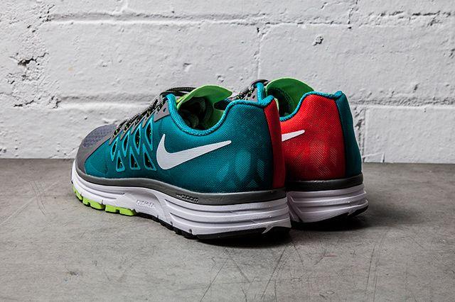 Nike Zoom Vomero 9 Light Crimson Turbo Green 1