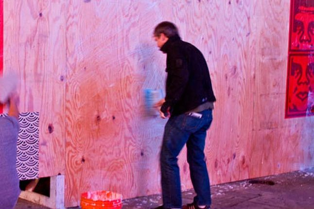 Obey Levis Live Installation Shepard Fairey Time Square 02 1