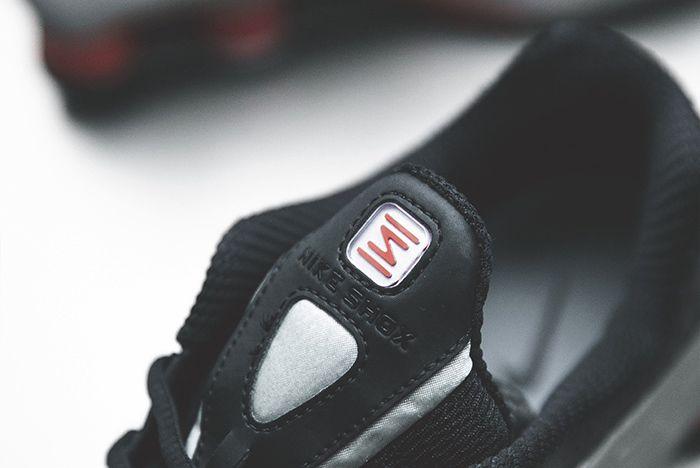 Nike Shox R4 Silver Black Red 3