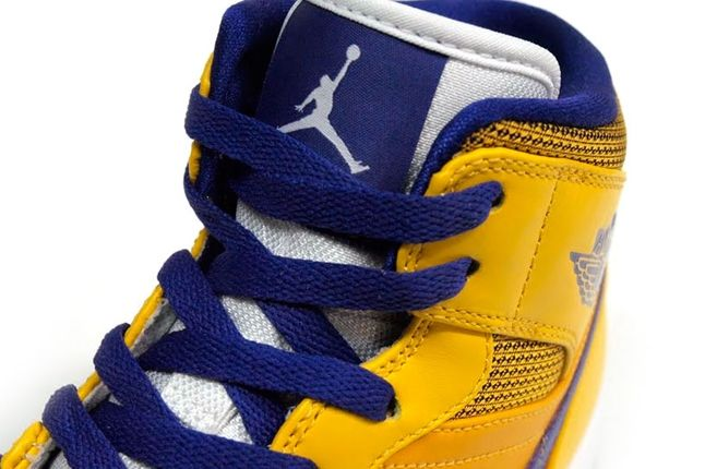 Air Jordan 1 Lakers Tongue 1