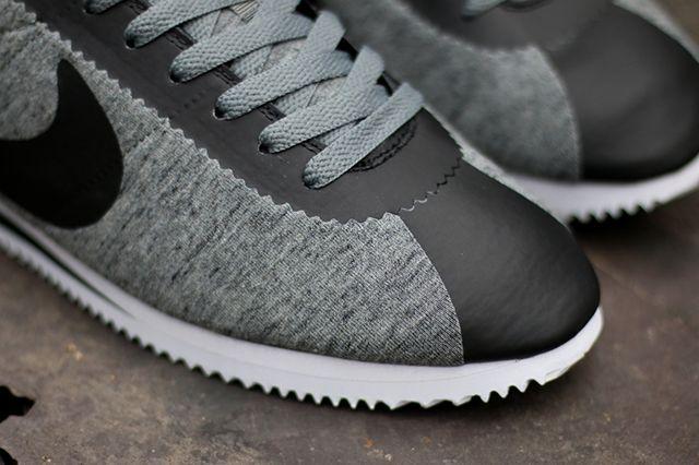 Nike Cortez Tech Fleece3
