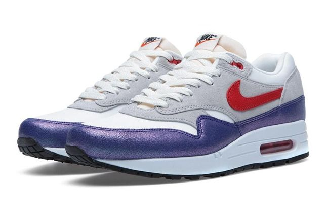 Wmns Am1 Purple Red Hero Pair 1