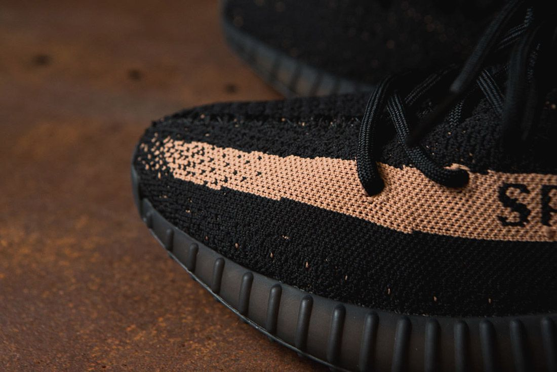 Adidas Originals Yeezy Boost 350 V2 Black Copper Solar Red Green 18