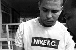 Nike Fc Thumb