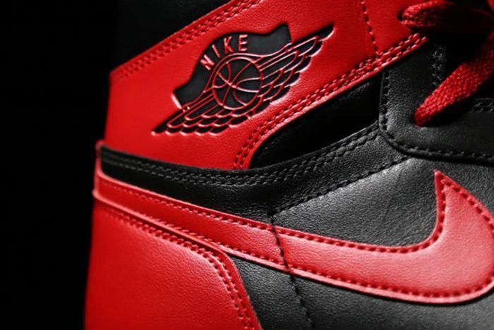 Air Jordan 1 5 Bred4