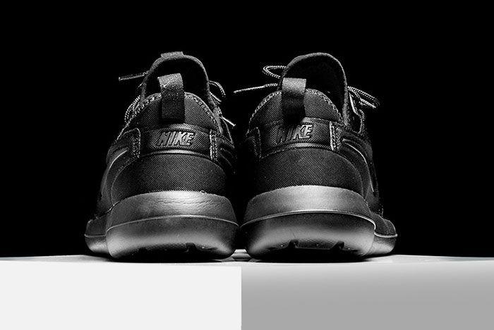 Nike Roshe Triple Black 4
