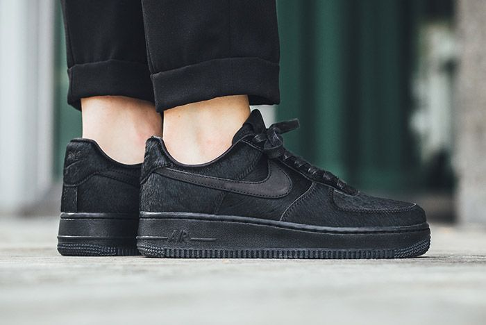 Nike Air Force 1 07 Black Wmns Pony Hair 3
