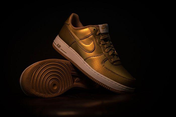 Nike Af107 Lv8 Mtllc Gld Wht 2
