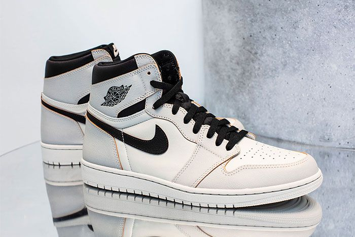Nike Sb Air Jordan 1 Light Bone Right 2