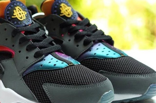 Nike Air Huarache Rainbow Neoprene 2