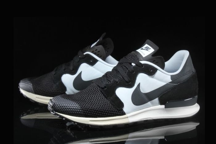 Nike Berwuda 6