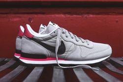Nike Internationlist Neutral Grey Infrared Thumb