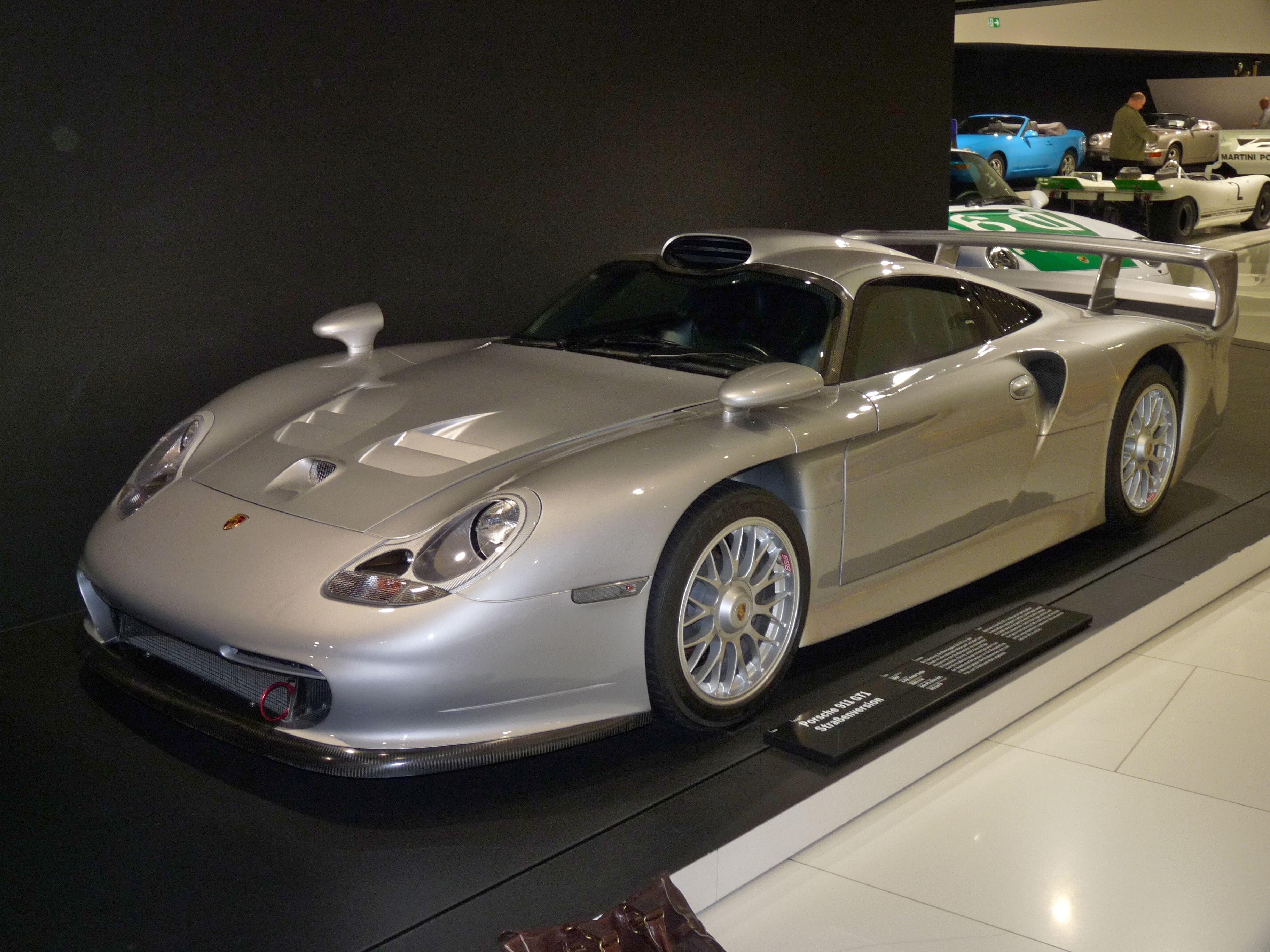 Porsche 911 GT1 Straßenversion 1996-1997
