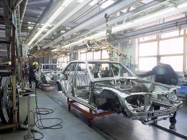 Porsche Engineering Mercedes-Benz W124