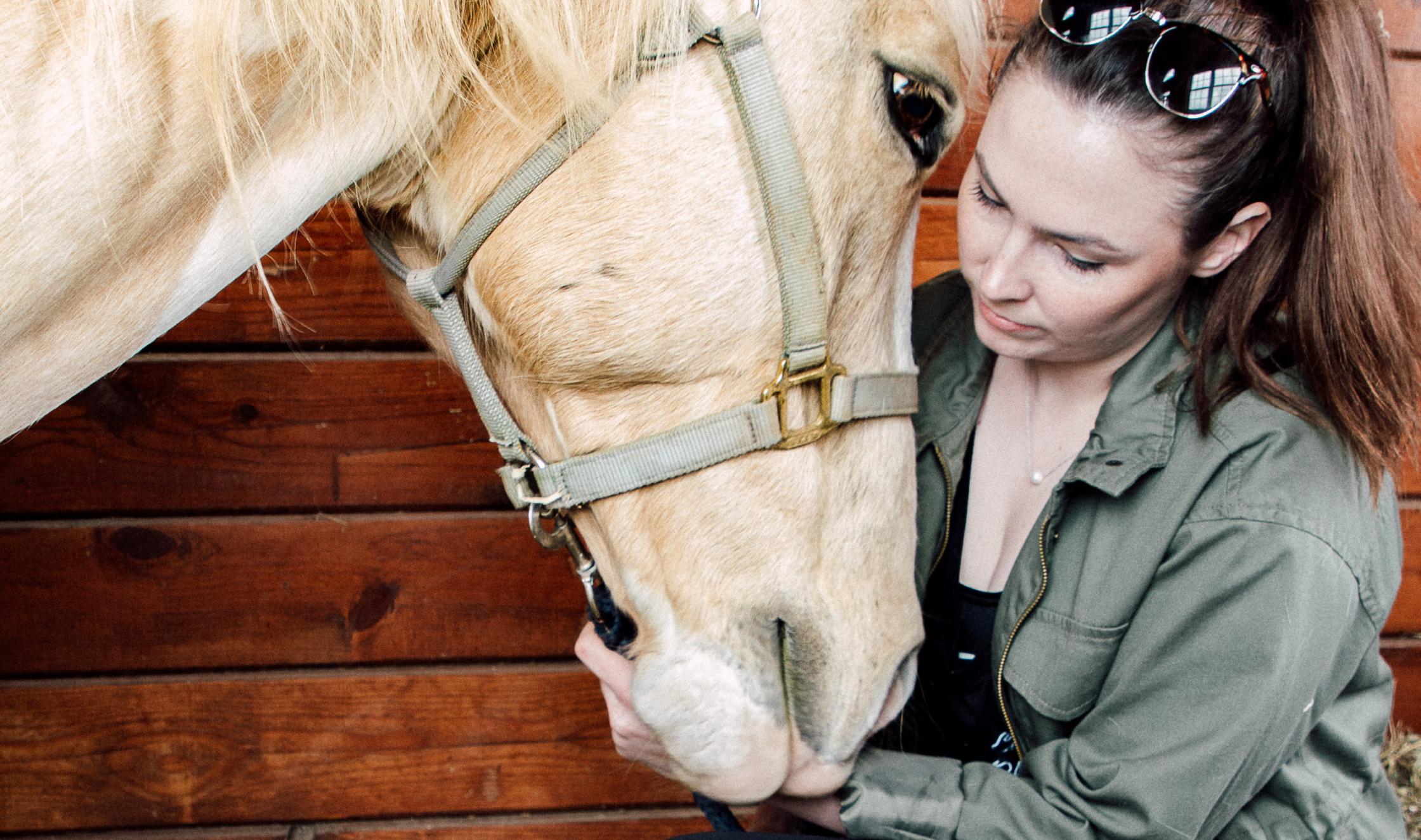 Photographer Lauren Murphy with horse