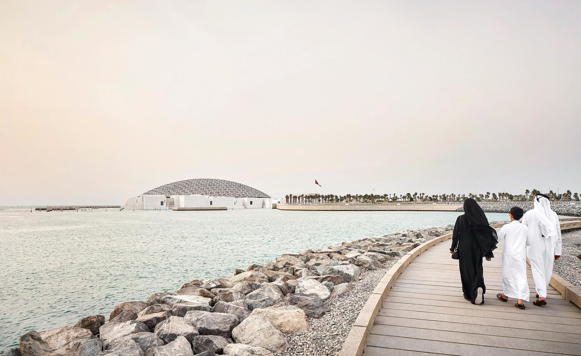 The Louvre Abu Dhabi ©Department of Culture and Tourism – Abu Dhabi / Photo by Hufton + Crow