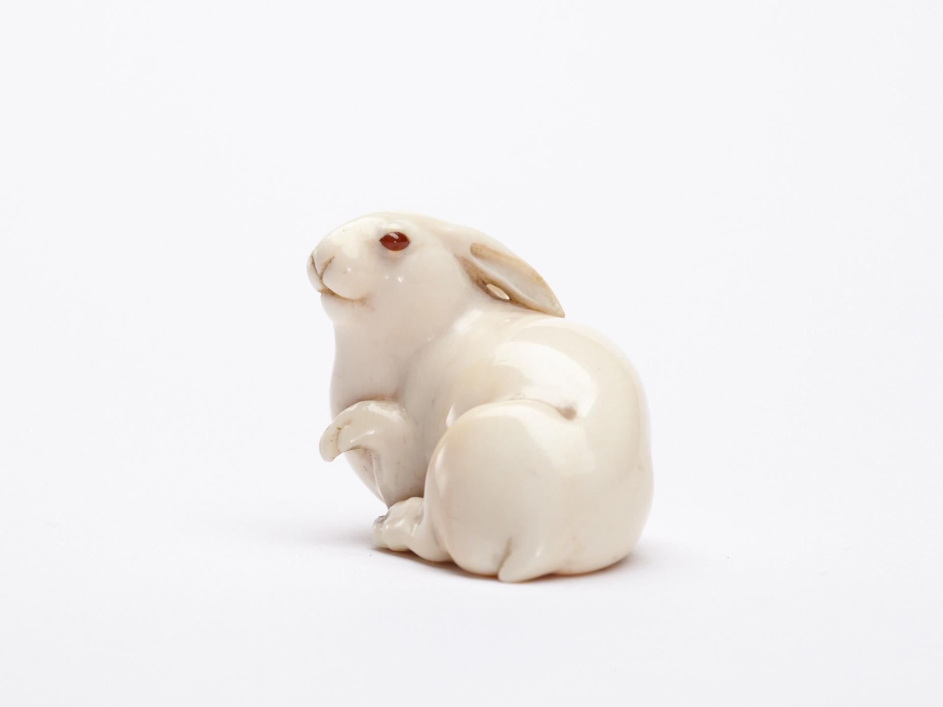 Ivory netsuke of the Hare with Amber Eyes, held in the collection of Edmund de Waal © Lostrobots