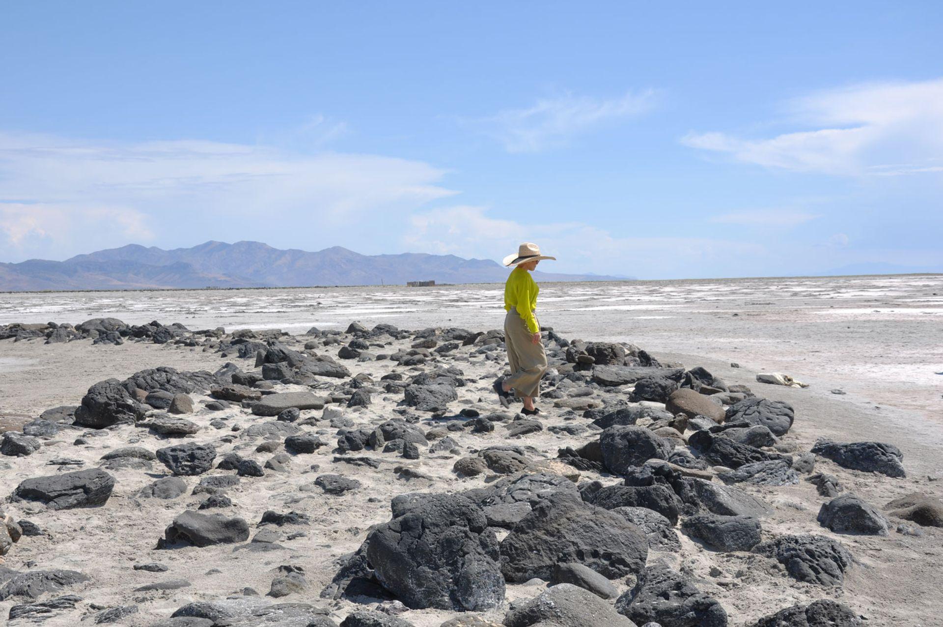 Lisa Le Feuvre at Robert Smithson's Spiral Jetty (1971)