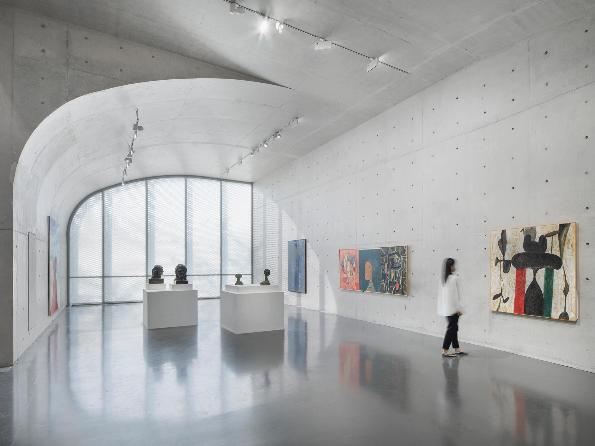 Installation view of George Condo: The Picture Gallery, at Long Museum (West Bund), Shanghai, 2021. © George Condo. Courtesy the artist and Hauser & Wirth. Photo: JJYPHOTO