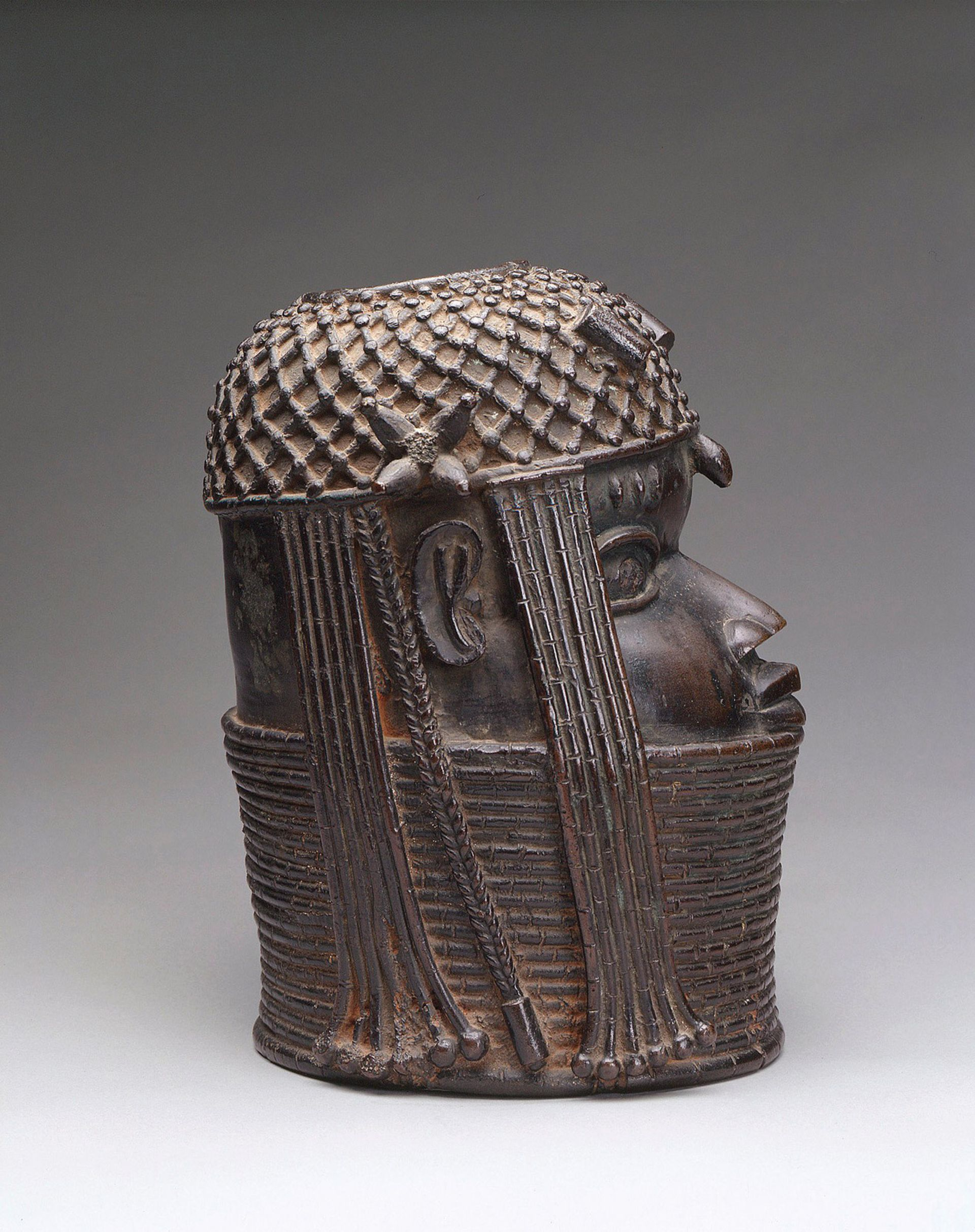 The Benin head of an oba, around 1650, was looted twice Royal Collection Trust © Her Majesty Queen Elizabeth II 2021