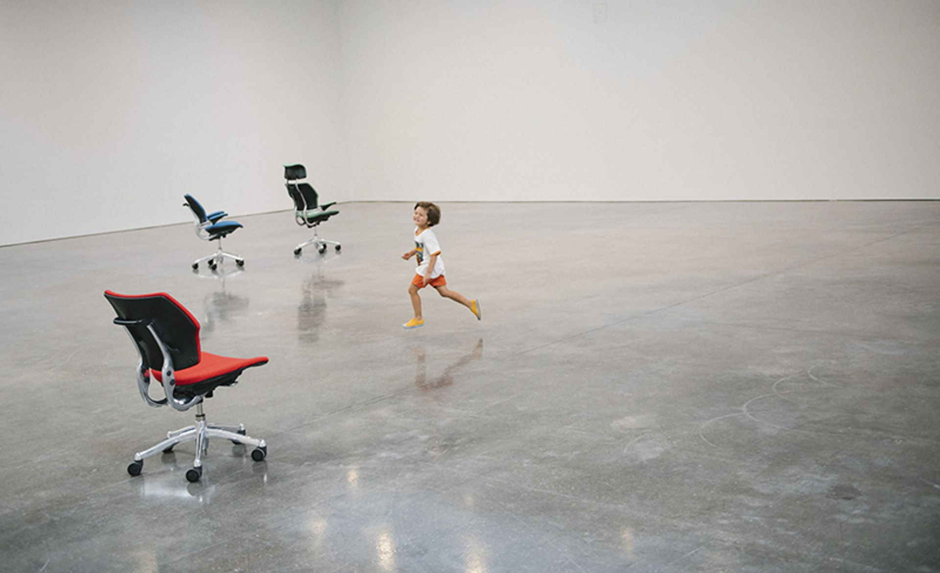 Installation view of Urs Fischer: PLAY at Gagosian Photo: Chad Moore, © Urs Fischer; courtesy of Gagosian