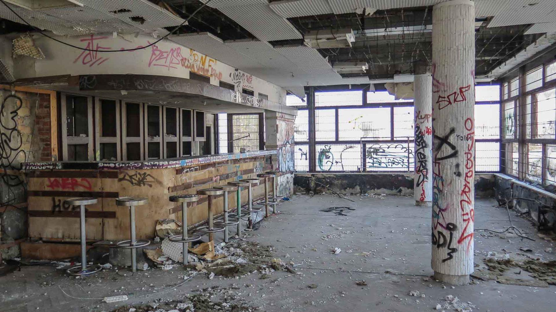 The inside of the communist-era restaurant Minsk, located in Potsdam Photo courtesy of berlinstaiga.de