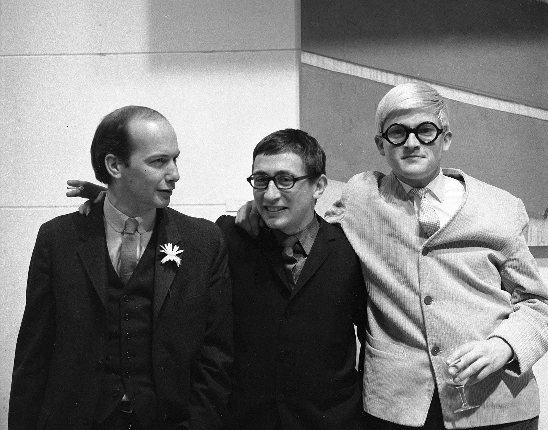 Richard Smith, John Kasmin and David Hockney were key players in the London art scene of the 1960s © Walker Art Center