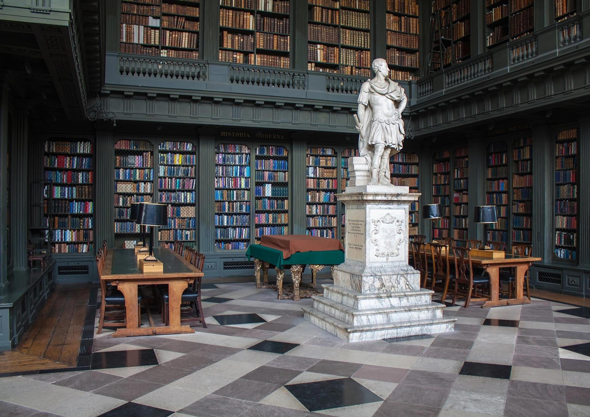 A statue of Christopher Codrington by Henry Cheere is located in the library at All Souls in Oxford