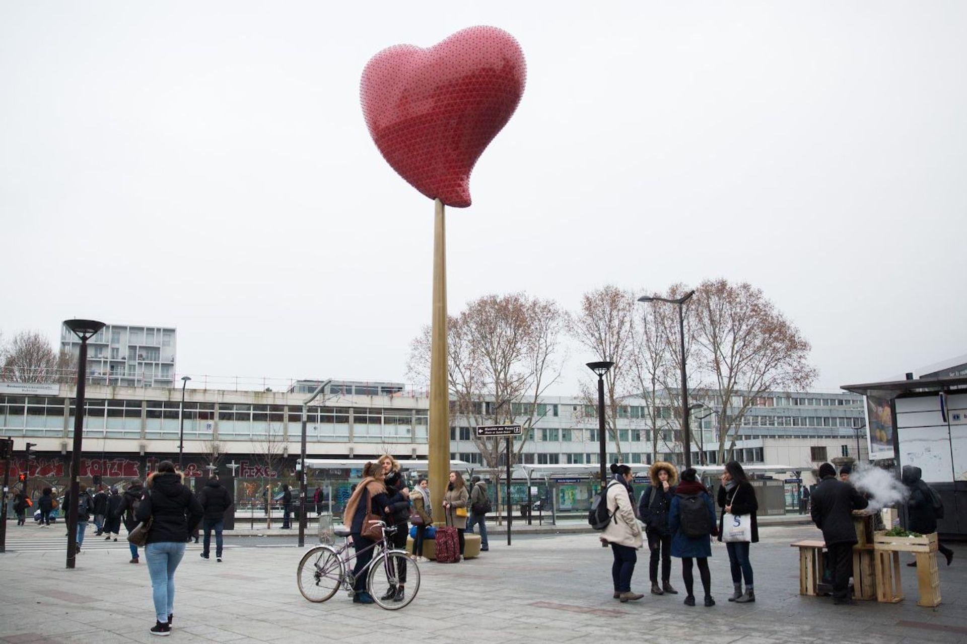 Joana Vasconcelos's Coeur de Paris (2018) Joséphine Brueder/Ville de Paris