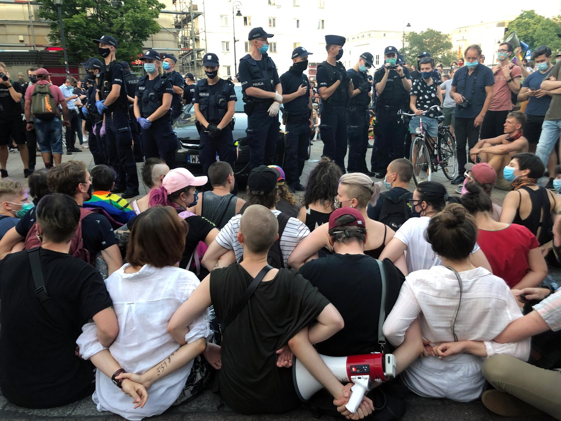 Protestors at a pro-LGBTQ rally on 7 August in Warsaw Photo: Jerzy Tabor