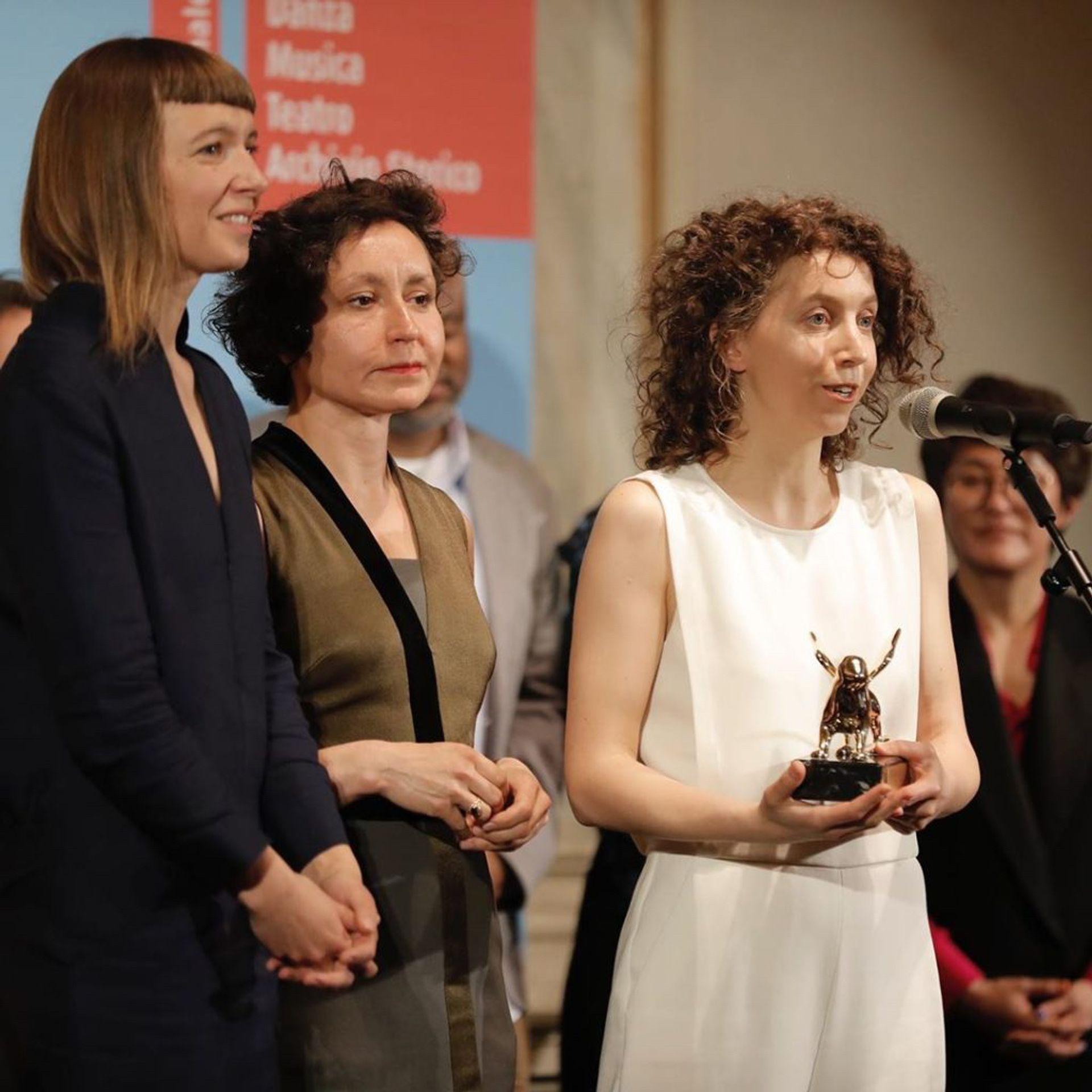 Rugilė Barzdžiukaitė accepts the Golden Lion courtesy Venice Biennale