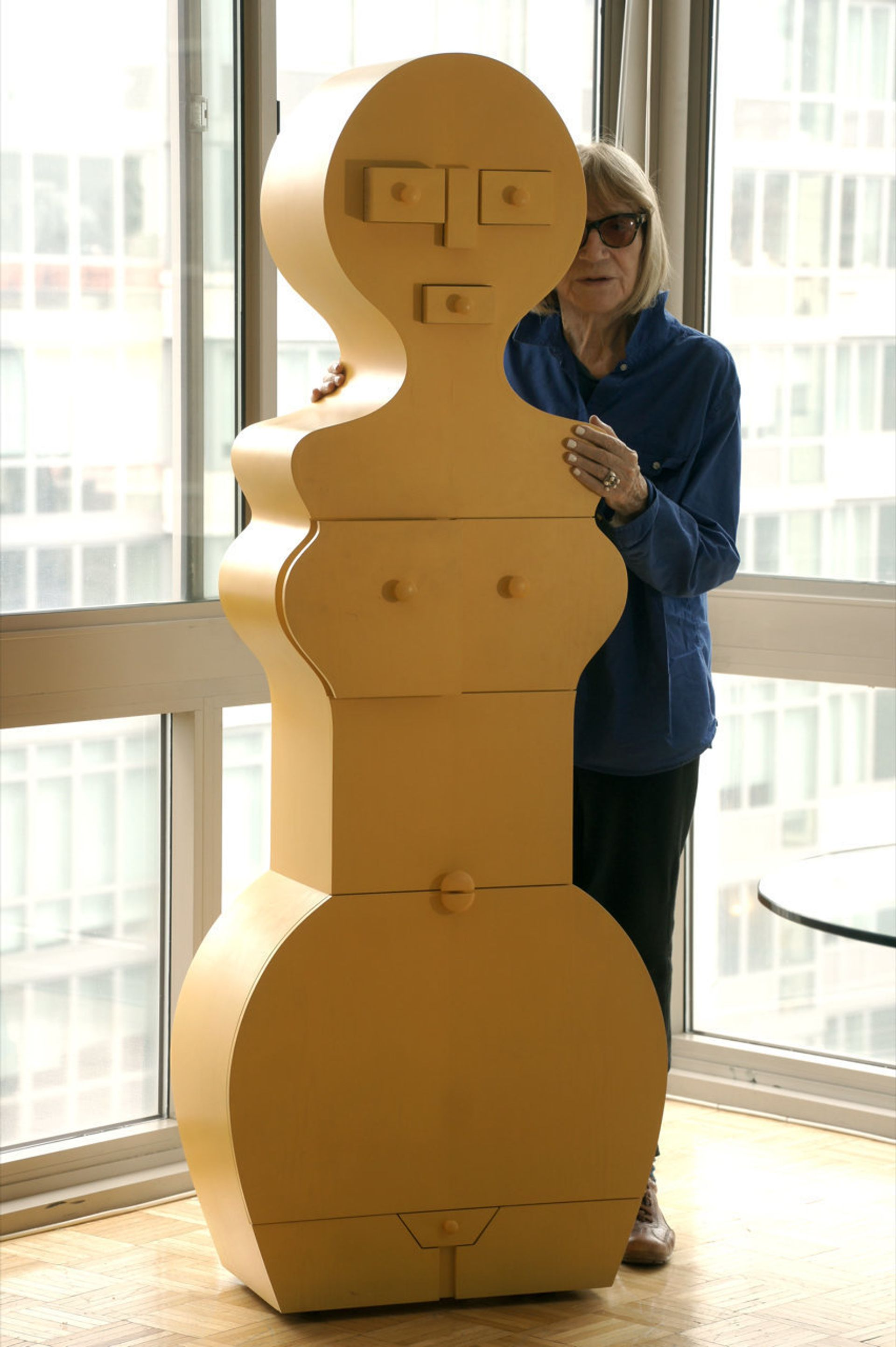 """Nicola L. with """"La Femme Commode"""" in 2017. Courtesy of SculptureCenter"""