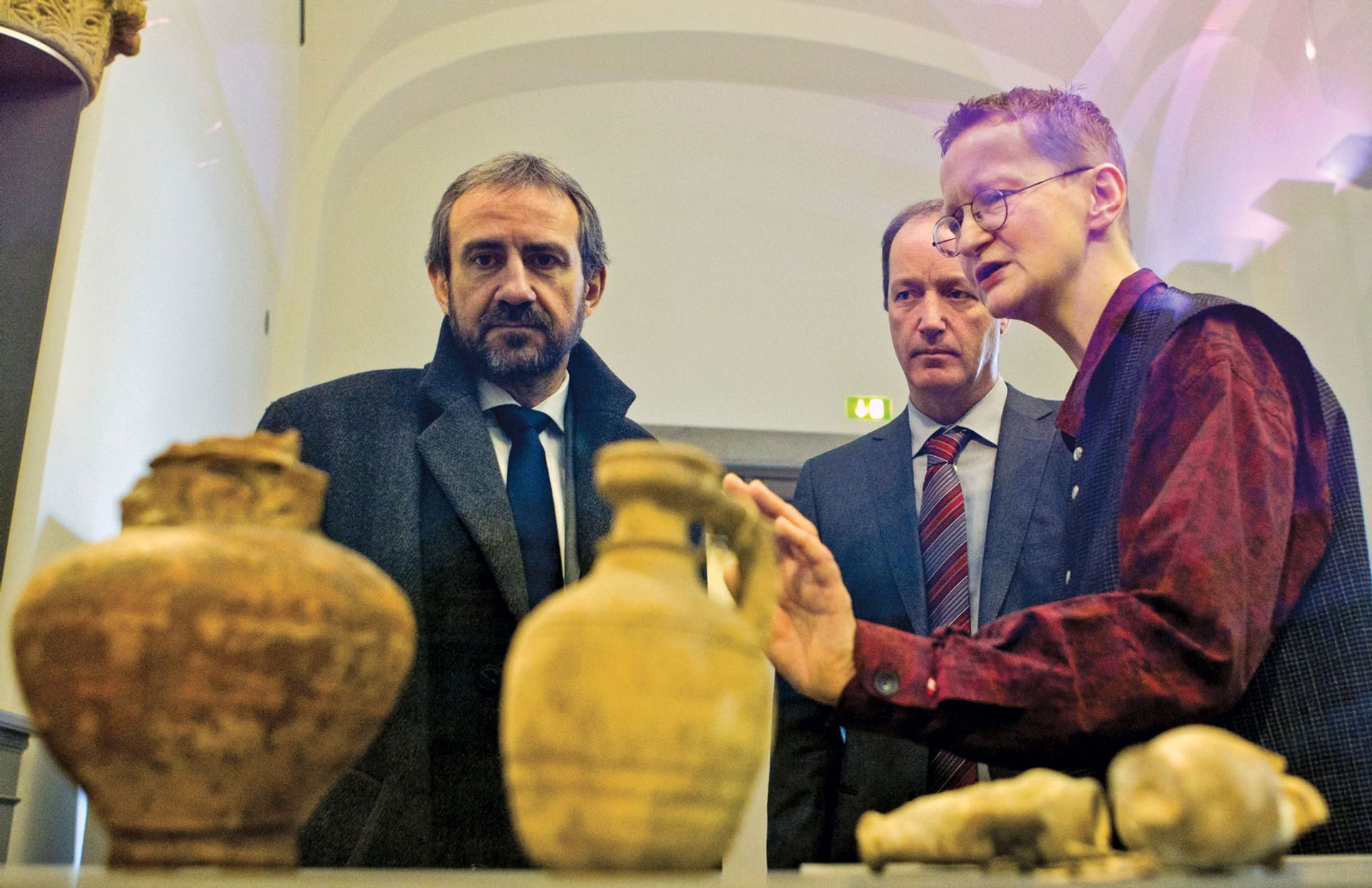 Hermann Parzinger (left) wants more provenance research to be carried out in German collections REUTERS/Thomas Peter