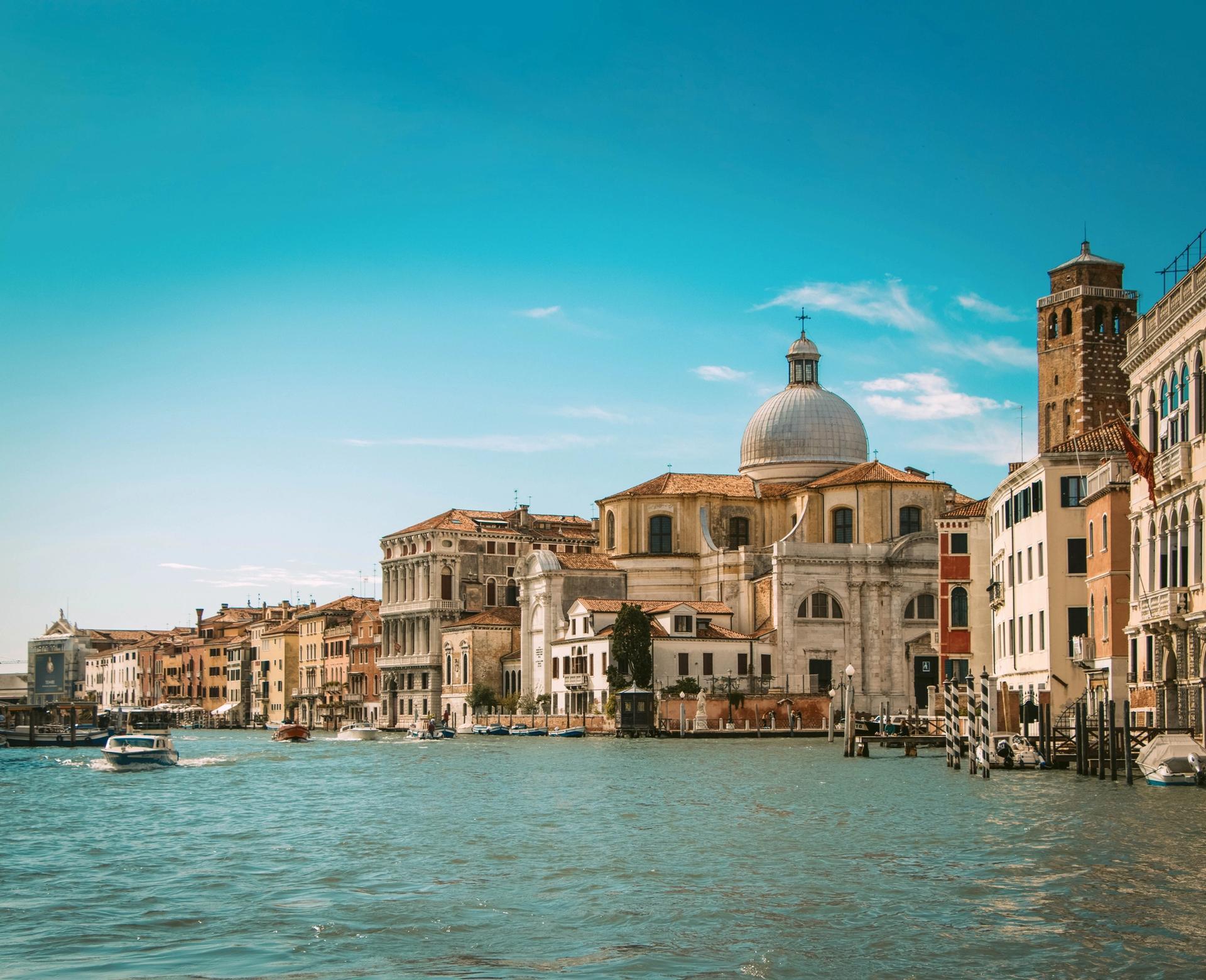 Venice Photo: Jayakody Anthanas via Unsplash