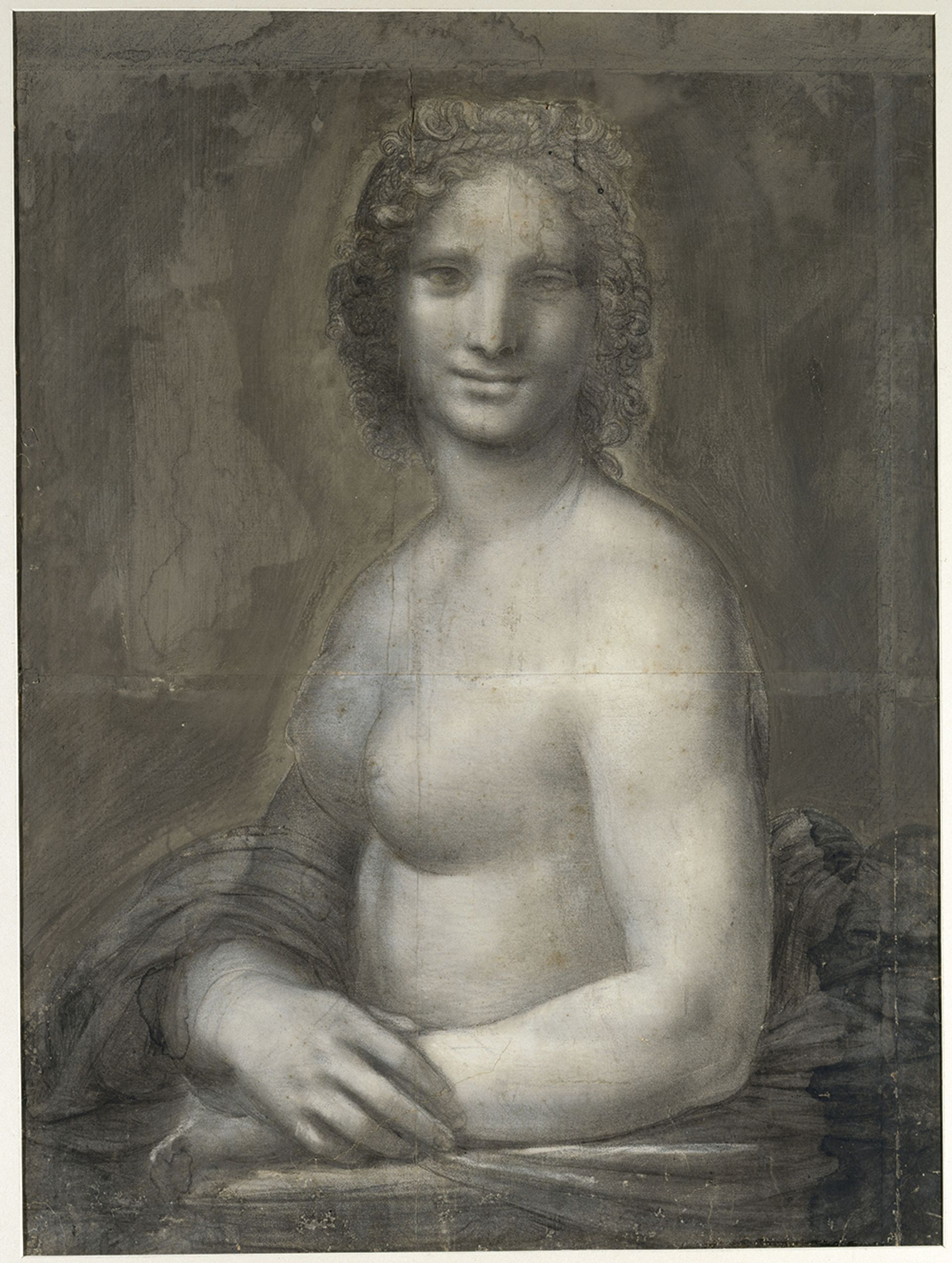 Despite some similarities, the nude drawing (above) is not a naked version of the Mona Lisa. The pinholes, used for transferring the design, have been revealed by the analysis Michel Urtado, © RMN—Grand Palais