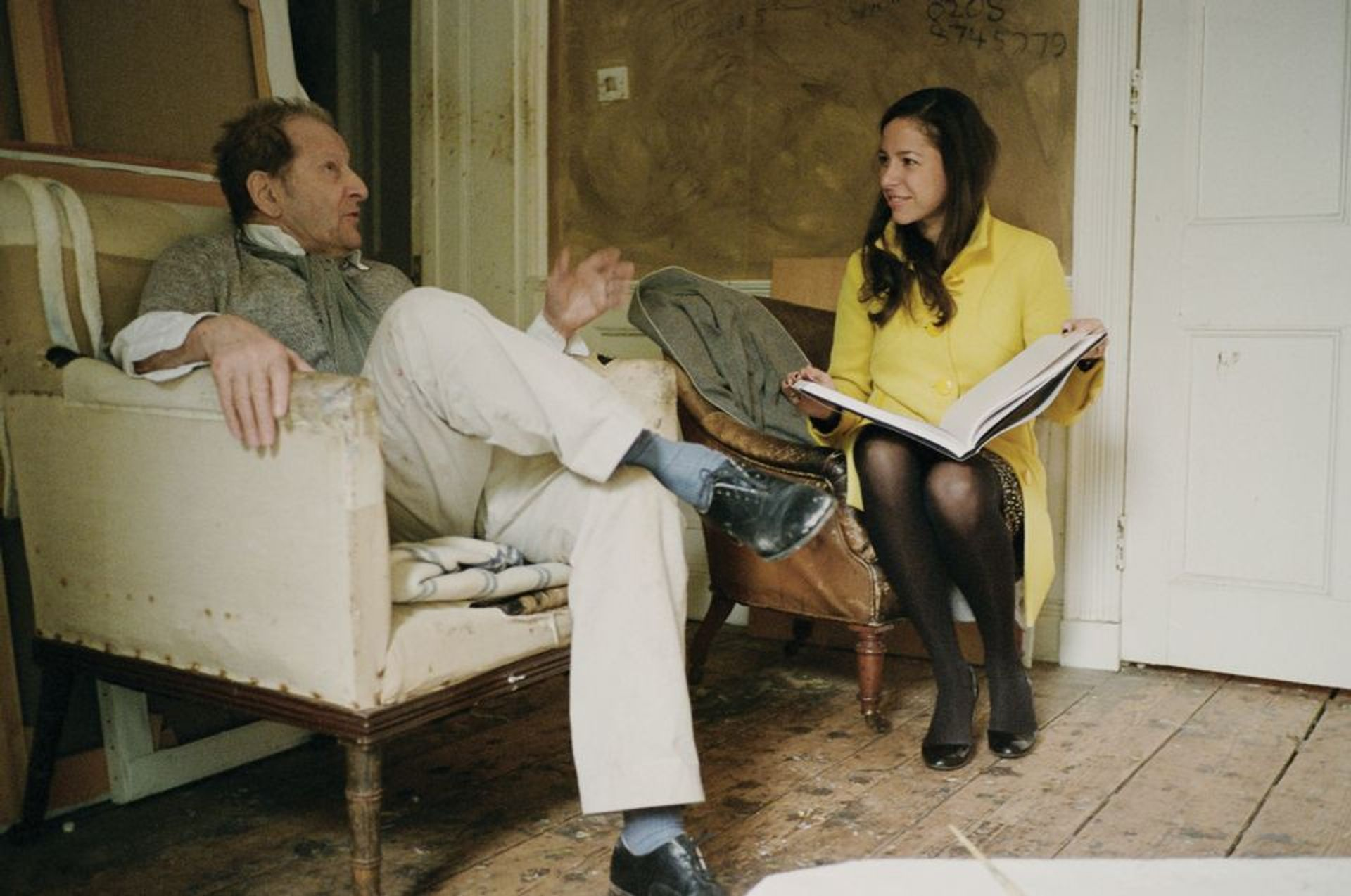 Pilar Ordovas brought Lucian Freud's 1995 Benefits Supervisor Sleeping to auction in 2008 (she is pictured with the artist, below); the portrait sold for a record price in Christie's New York salerooms © David Dawson