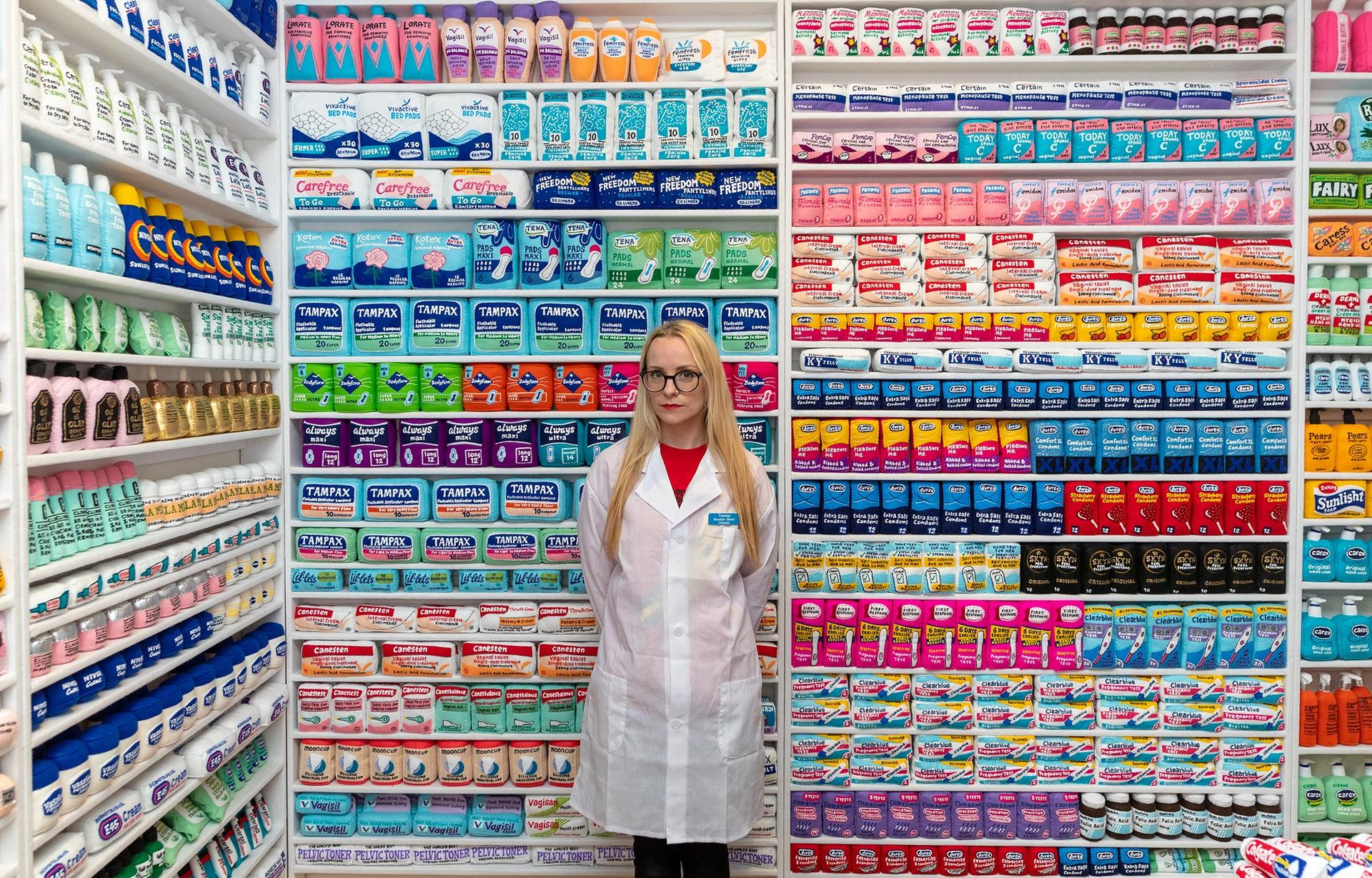 Lucy Sparrow has turned Lindsey Ingram Gallery into a felt-covered chemists © Photo: Lucy Emms. Courtesy of Lindsey Ingram Gallery and the artist