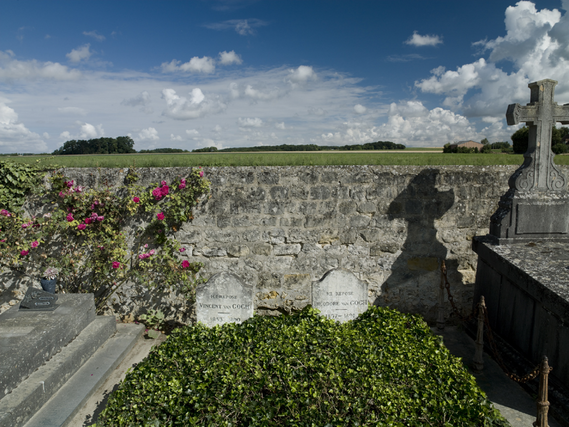 The graves of Vincent and Theo in the cemetery at Auvers-sur-Oise