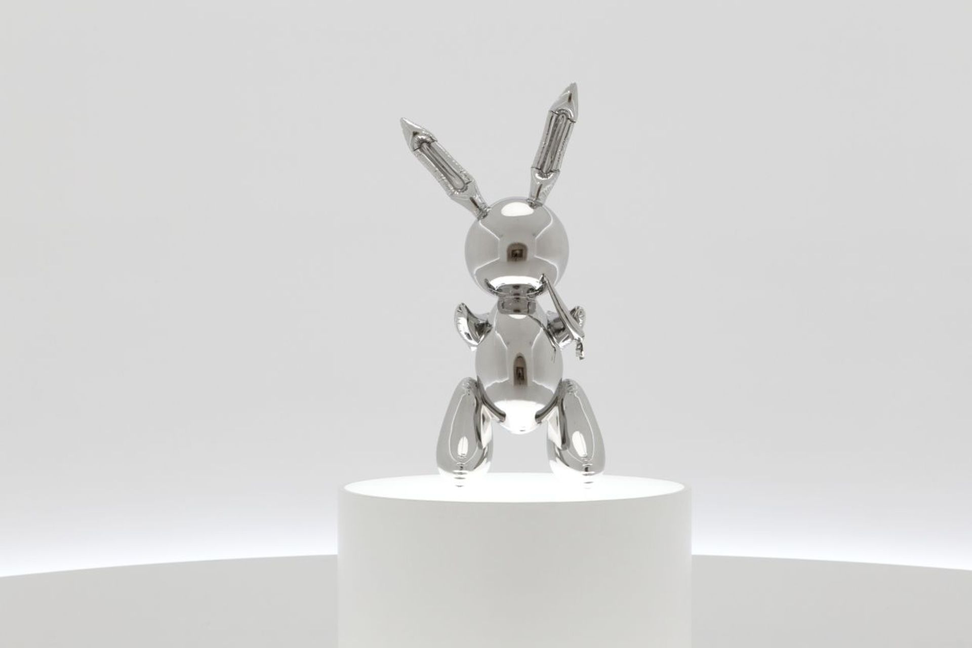 """Dealer Bob Mnuchin placed the winning bid on """"Rabbit"""" for $91m (with fees), restoring Koons to his former title of the most expensive living artist. Christie's"""