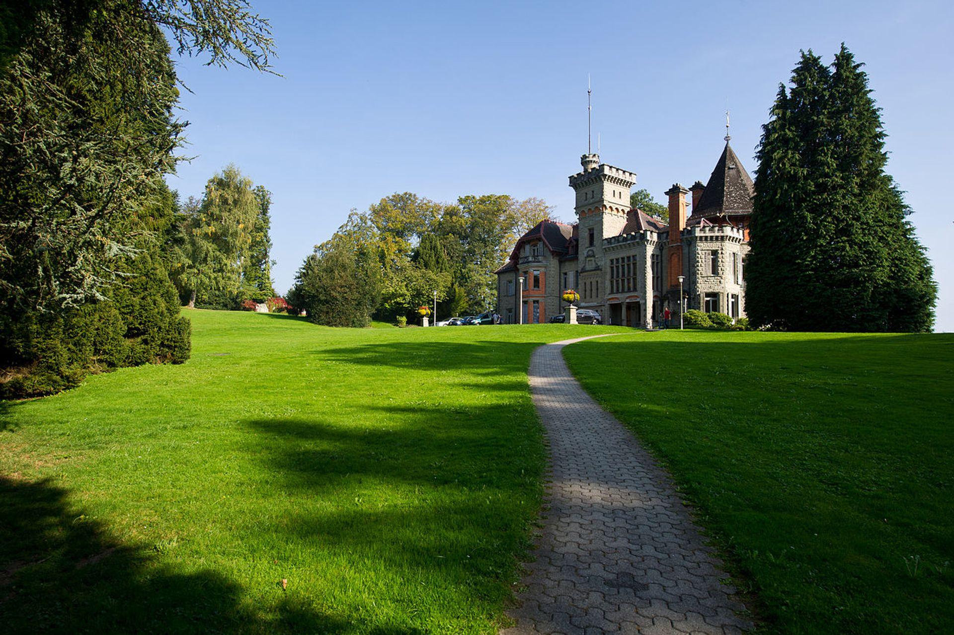 Landau's new headquarters in Dreilindenpark Wikimedia Commons/Julia Leijola